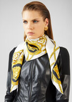 La Coupe Des Dieux 丝巾 - Versace 方巾和围巾 - image 2 of 3 in carousel