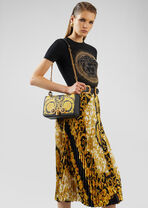 Barocco Icon 中号单肩包 - Versace 肩背包 - image 2 of 5 in carousel