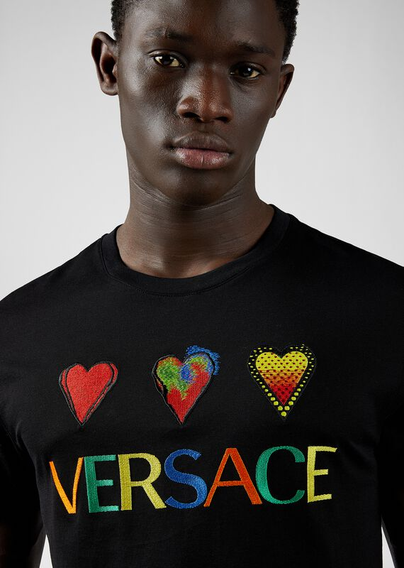 修身版Love Versace 刺绣T恤 - Versace T恤和Polo衫 - image 5 of 5 in carousel